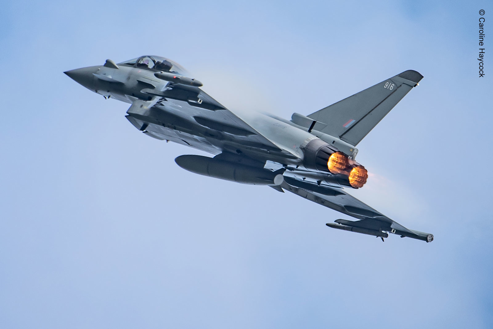 EuroDASS consortium signs contract to equip new German Typhoons with protective EW system